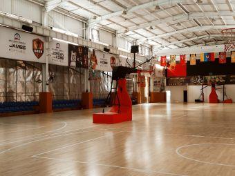 纵横篮球馆