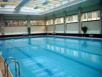 文华园游泳池