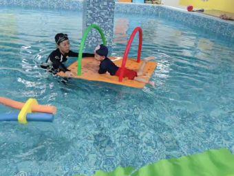 恩桐贝贝亲子水育乐园