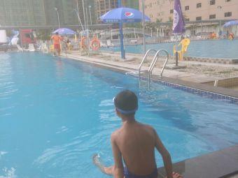金钟园游泳池