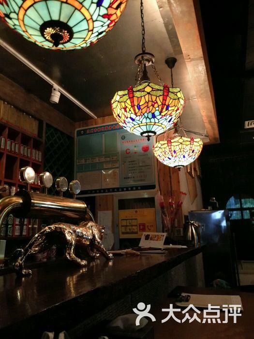 巴伐利亚西餐音乐酒吧吧台图片 - 第4张