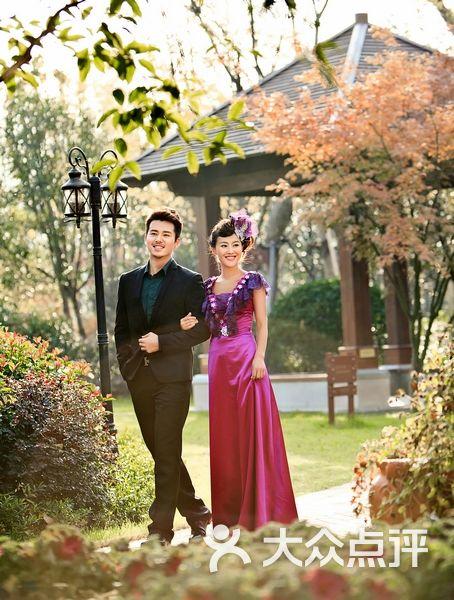台北莎罗婚纱摄影