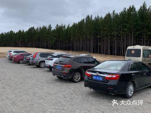 五彩斑斓观景平台停车场