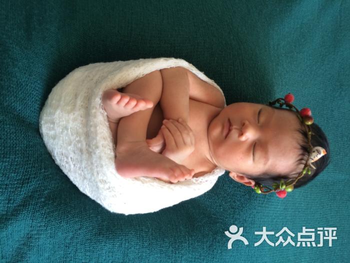宝宝 壁纸 孩子 小孩 婴儿 700_525
