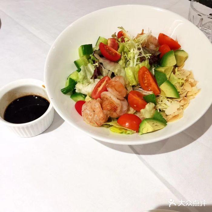 欧杜意大利餐厅 ottolina café(欢乐海岸店)牛油果鲜虾杂菜沙拉图片