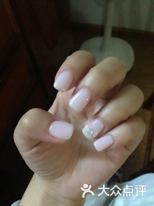 安娜美甲美睫沙龙(中山公园店)-半透明粉红色图片