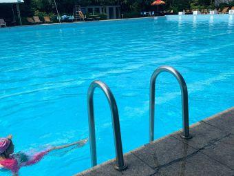 湘南学院游泳池