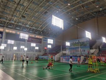 武平体育馆梁野羽毛球俱乐部