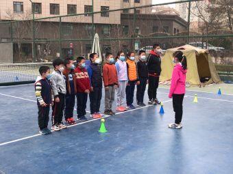 高新大厦网球场
