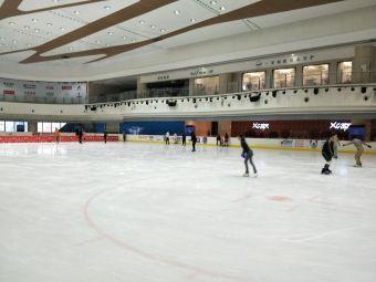 冠军溜冰场(环球银泰城店)