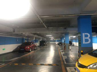 泉城广场-停车场