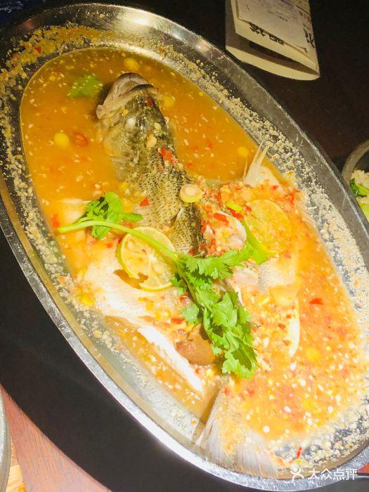 泰式柠檬鲈鱼