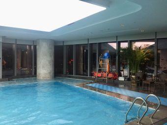 福州三迪希尔顿酒店游泳池