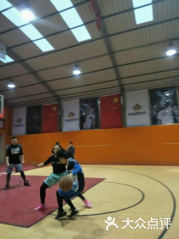 阳光篮球俱乐部-图片-西安运动健身