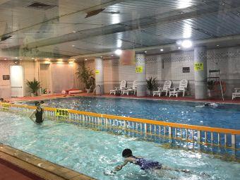 国贸酒店游泳池
