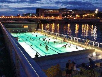 贝克游泳馆