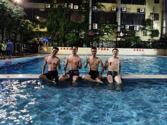 广汇游泳池