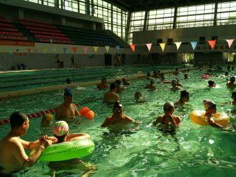 齐大游泳馆