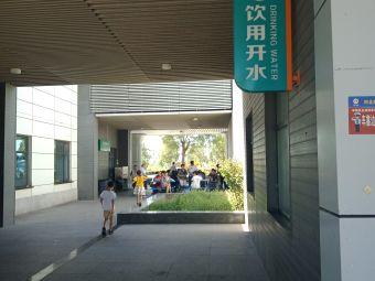 石家庄服务区-停车场