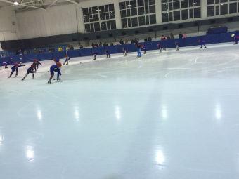 新秀滑冰俱乐部