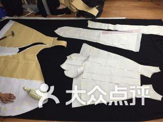 伦艺服装设计艺术培训学院