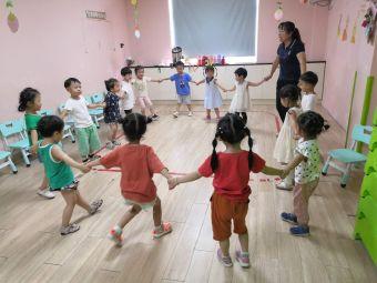 石庄镇香港奇卡国际早教中心