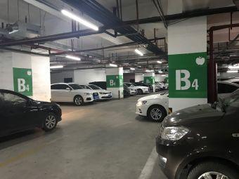 宝龙广场停车场