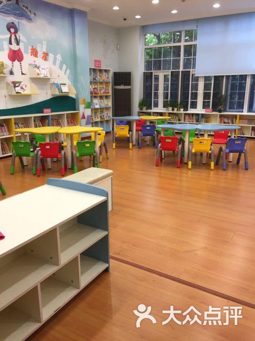 上海少年儿童图书馆的点评