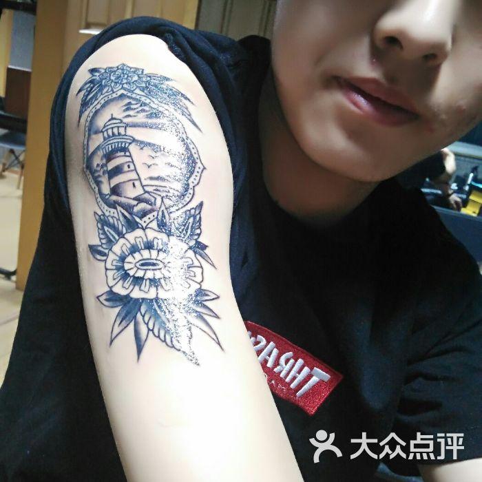 needle mark纹身刺青