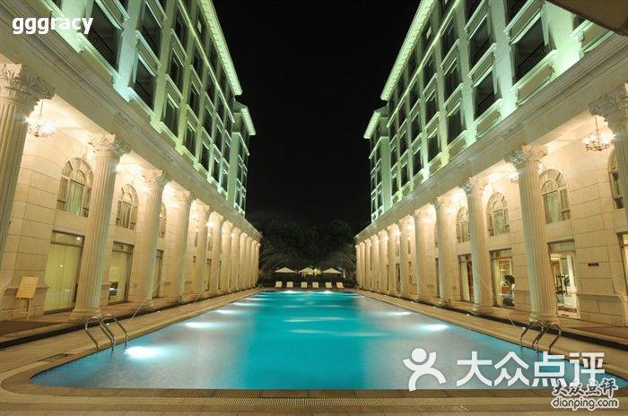 欧式室外游泳池