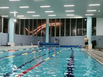 康慈游泳健身