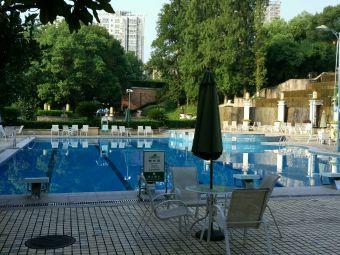国宾花园游泳池