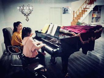 香港法拉钢琴工作室