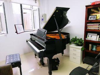 高梦丹钢琴工作室