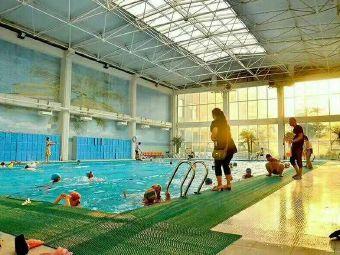 金都游泳馆