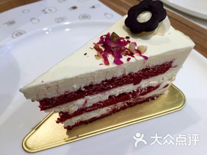 红丝绒三角蛋糕