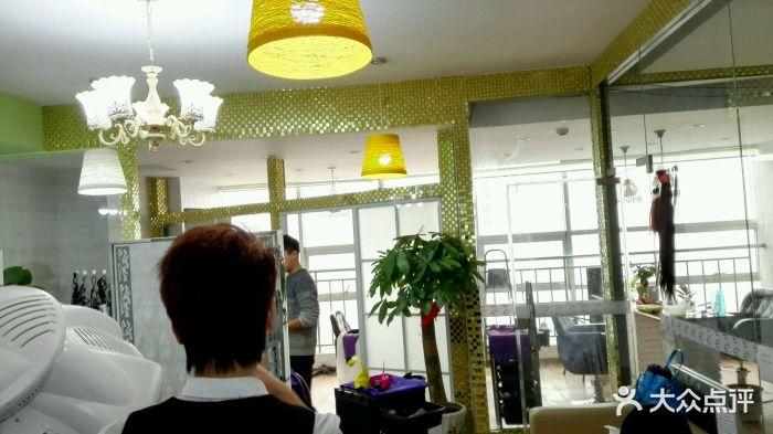 帝恩广场(和谐美学店)40岁女超短发型图片图片