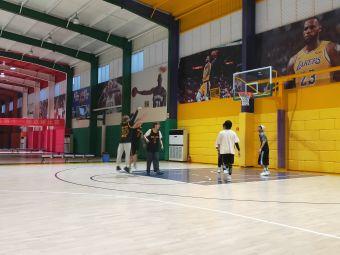 东论篮球运动馆