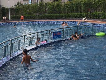 乐仙小镇山顶游泳池