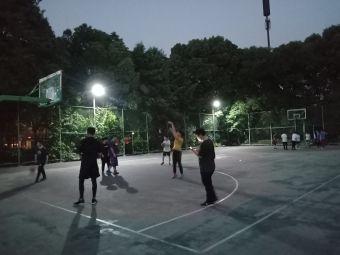 东裕社区篮球场
