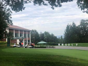 北京辉煌国际高尔夫俱乐部停车场