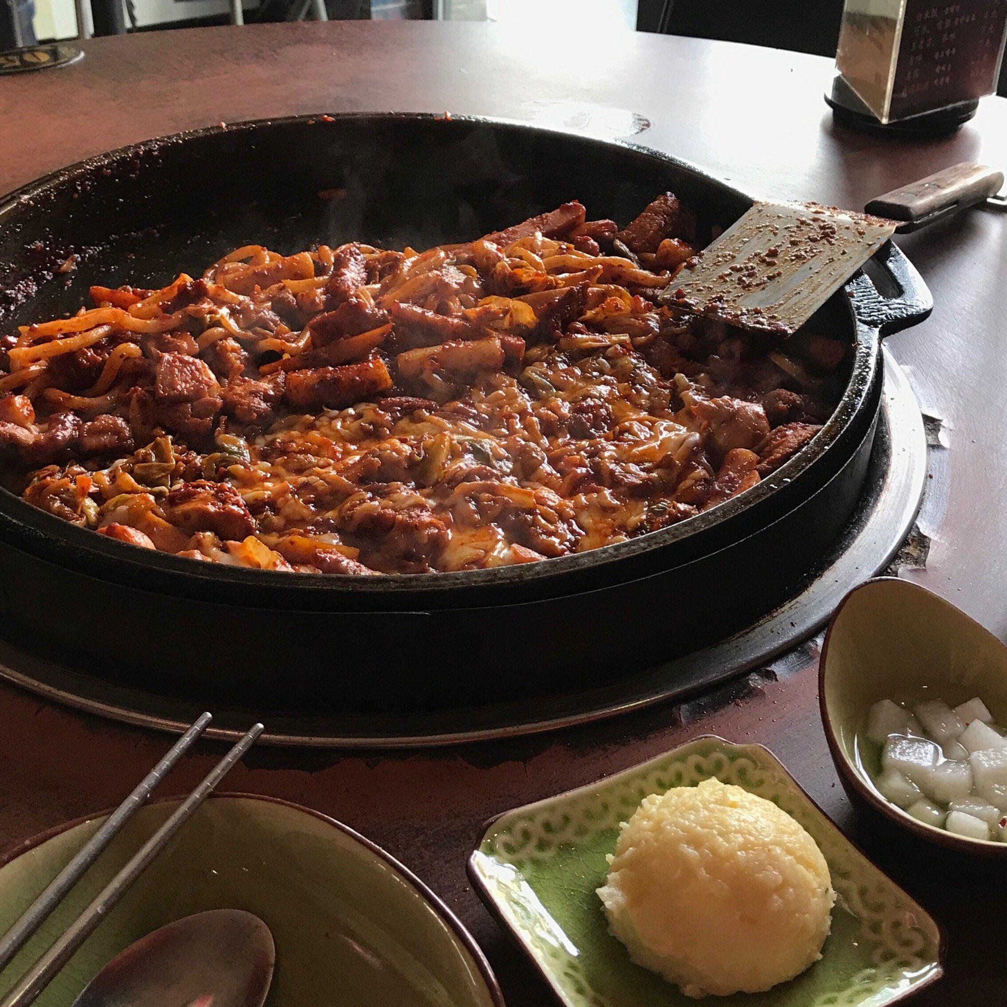济南恒隆广场附近吃韩国料理的餐馆