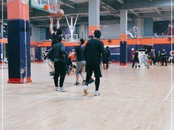 众承杰凯篮球公园