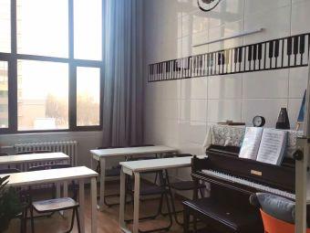 张冉钢琴培训