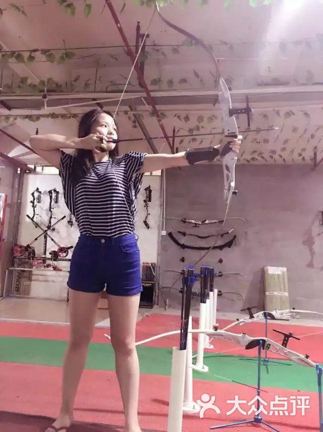 美女体育运动俱乐部-飞鸟射箭蹦床-上海射箭健重庆图片招聘图片