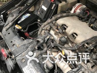 lq汽车修理电瓶轮胎救援