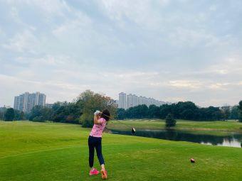 龙湖高尔夫俱乐部