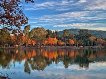 凡索纳湖县立公园