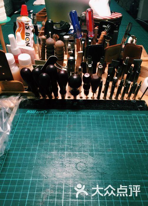 our custom手工皮具工作室图片 - 第1张