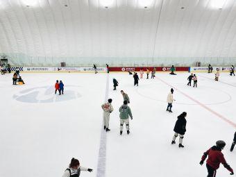 云中河滑冰馆
